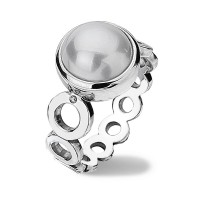 Diamonds & Pearls White Circle Ring